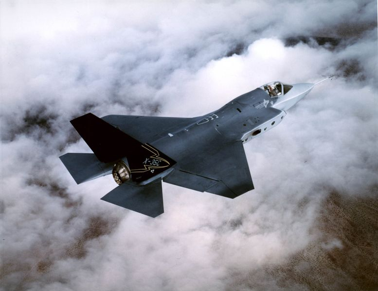 Lockheed_F-35_Joint_Strike_Fighter