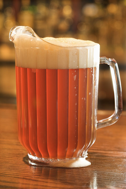 Beerpitcher_dreamstim
