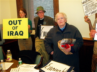 Bernie_protest_iraq