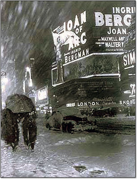Joan_times_square_1948_2